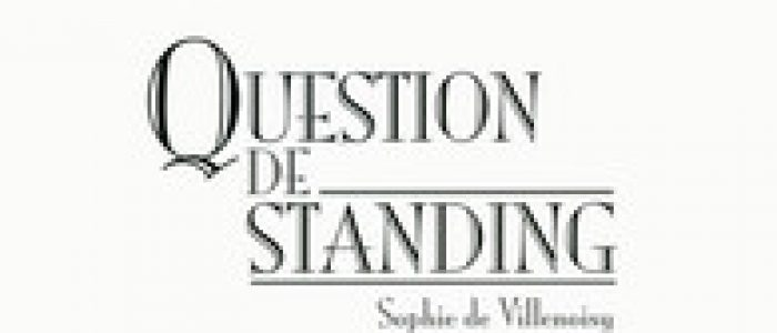 Sophie De Villenoisy « Question de standing ». éditions Denoël.